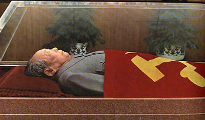 Mao in coffin