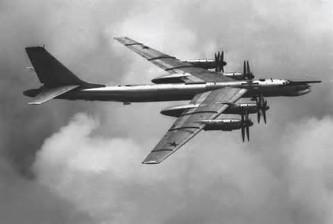 Tu-95 Bear nuclear bomber